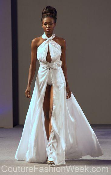 #moteuke #couture #stil #design #modell #kvinne #mote #fashion #2013 #marisolhenriquez #hvit #kjole #split
