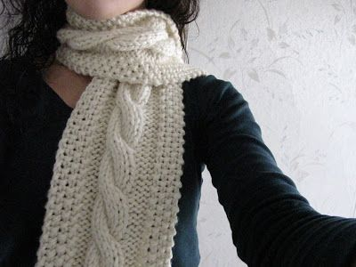 Saucy: Cozy Wooly Cabled Scarf, super bulky wt yarn, free | Scarves ...