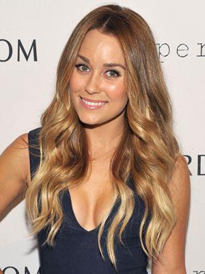 10 Celebrities With Blonde Hairstyles Hair Styles Blonde Celebrity Hair Hair Beauty