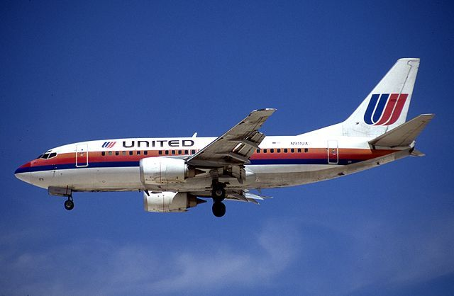 United Airlines Old Plane Boeing Aircraft United Airlines Aircraft