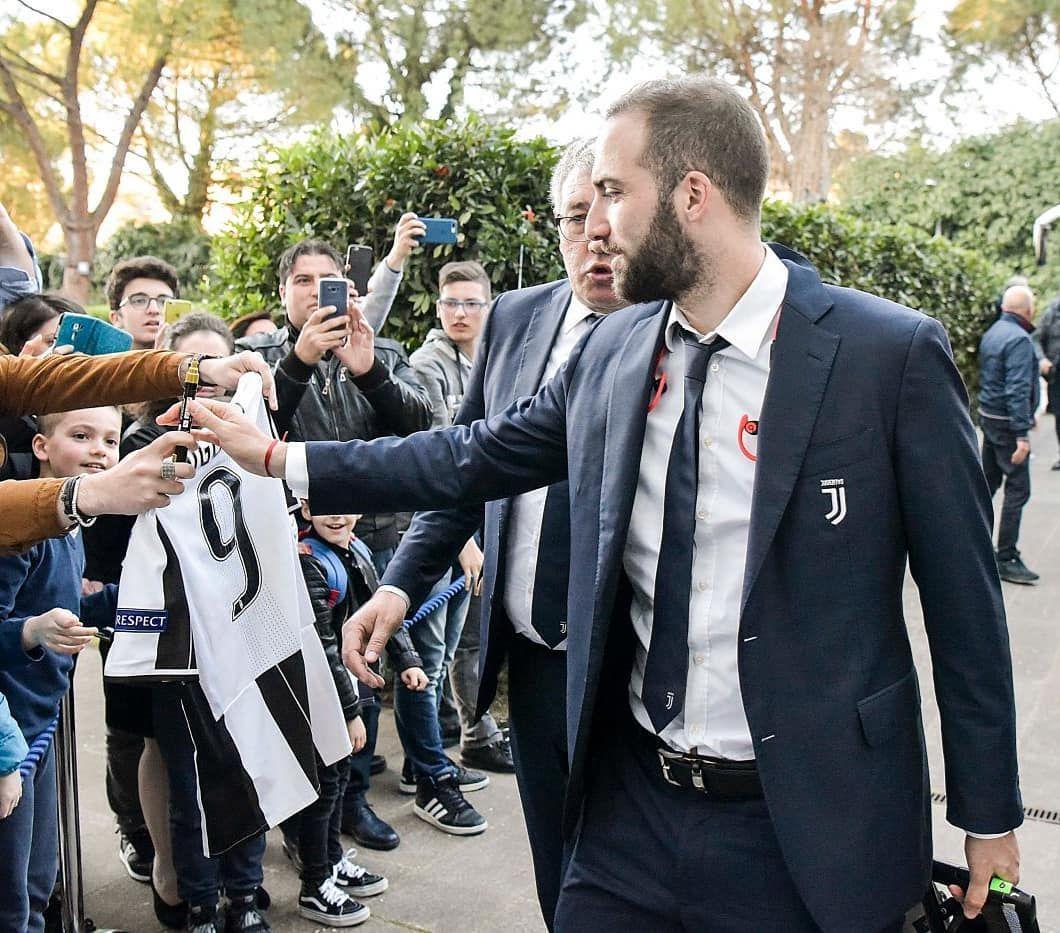 Vestito Elegante Juventus.Higuain Juventus Pipita