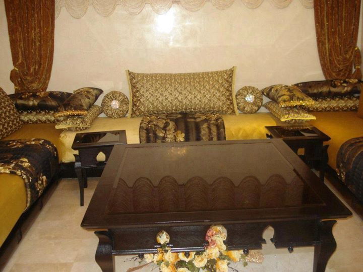 Un joli salon marocain traditionnel salon marocain for Decoration maison islam