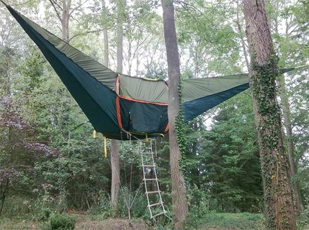 Tree tent or tree hammock... either way Iu0027d say this & Tree tent or tree hammock... either way Iu0027d say this tree house ...