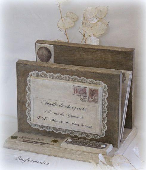 Porte courrier personnalisé en bois découpé et patiné Driftwood