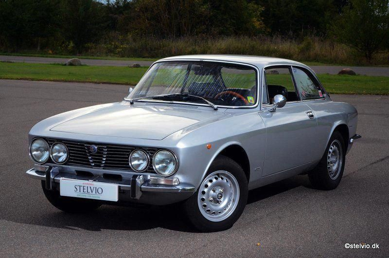 Alfa Romeo 2000 Gt Veloce 1972 Maintenance Restoration Of Old Vintage Vehicles The Material For New Cogs Casters Gea Alfa Romeo Classic Cars Alfa Romeo Cars