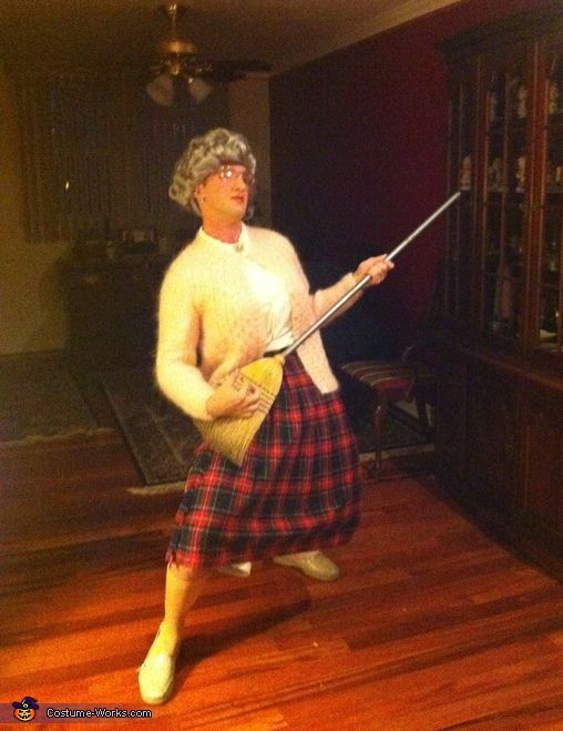Mrs. Doubtfire Costume | Homemade halloween, Halloween costumes ...