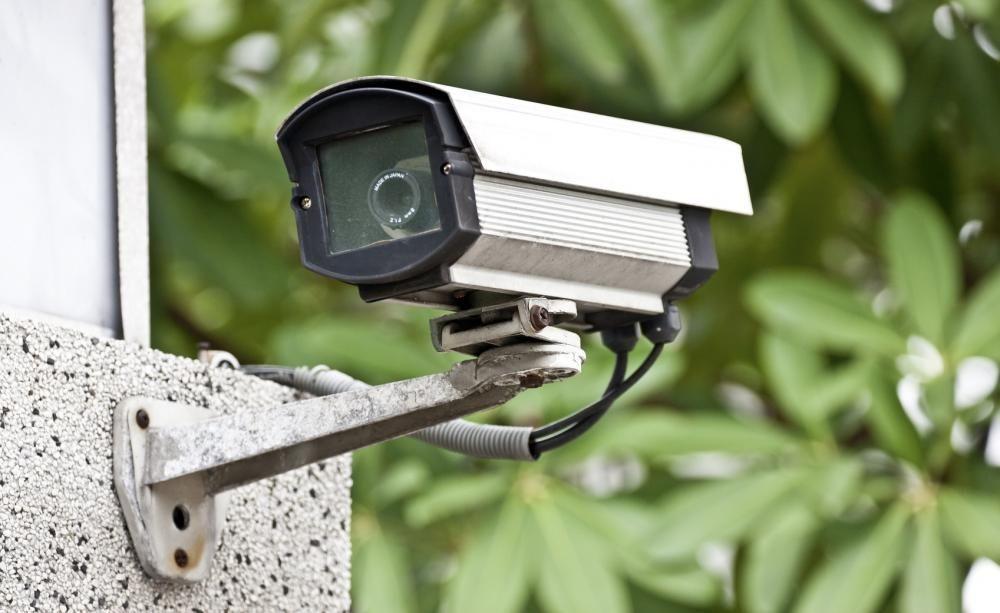 Darf Das Eigene Grundstuck Mit Videokameras Uberwacht Werden Uberwachungskamera Innen Videouberwachung Kamera