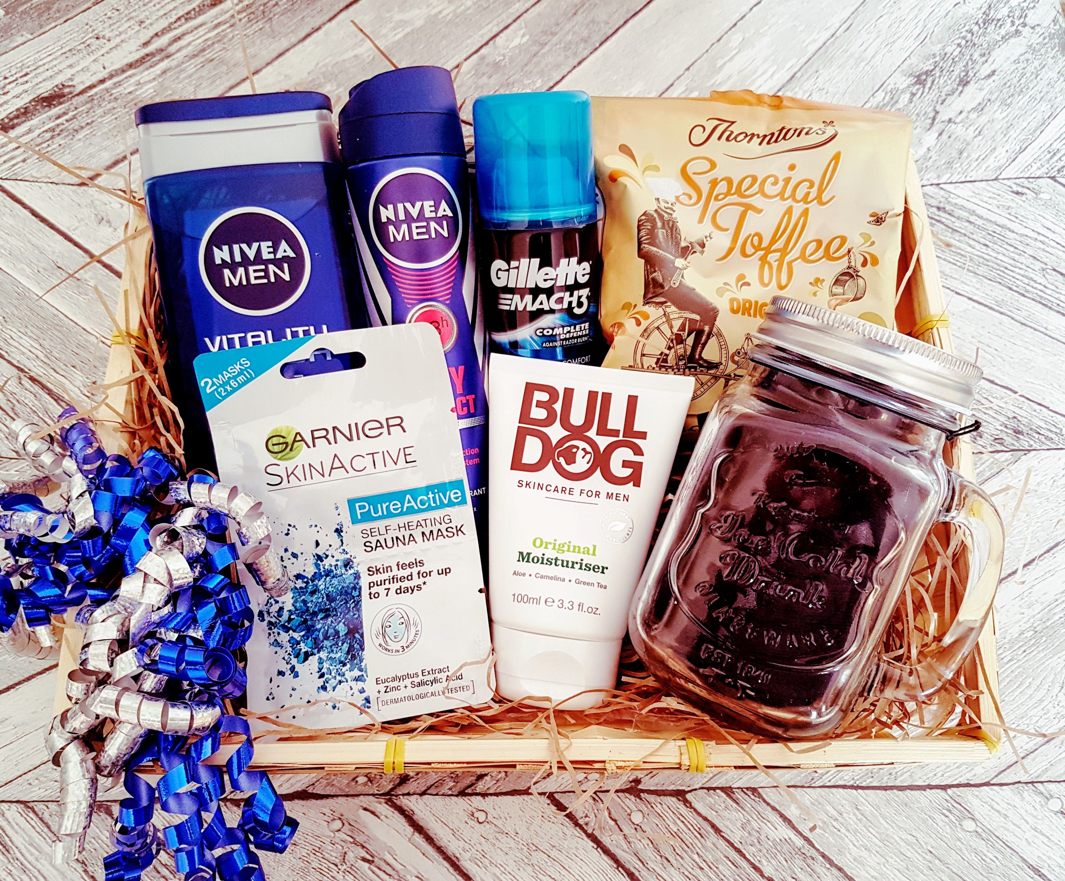 Men's toiletry pamper hamper