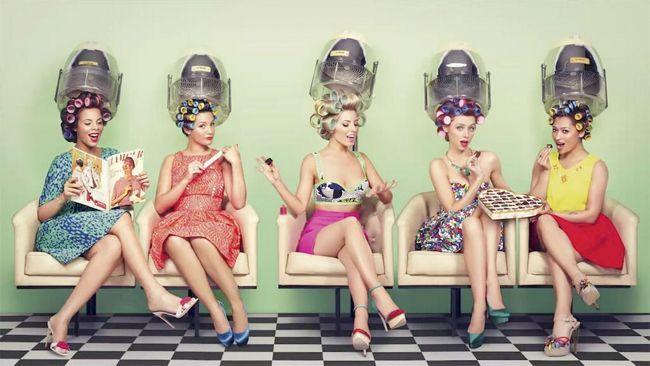 Vintage Hairdresser 50 S Girls Vintage Hair Salons Vintage Salon Retro Salon