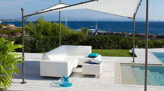 Aménagement extérieur piscine  meuble de jardin et coin détente - amenagement bord de piscine