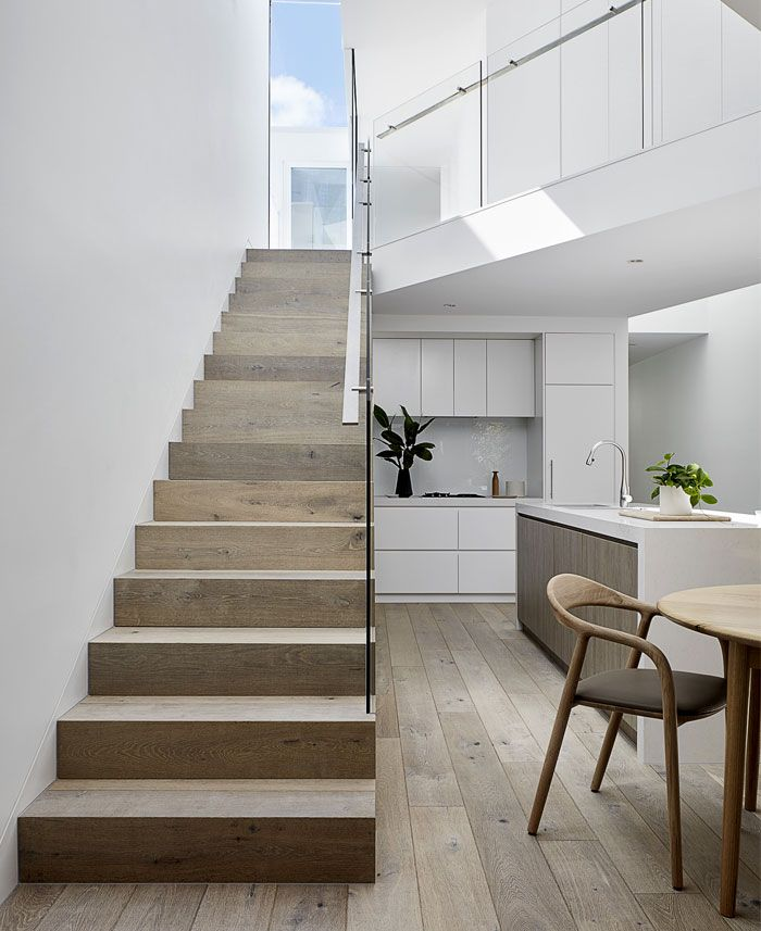 Artistic Stairs Canada: Elegant And Modern Home With Artistic Decoration Elements On