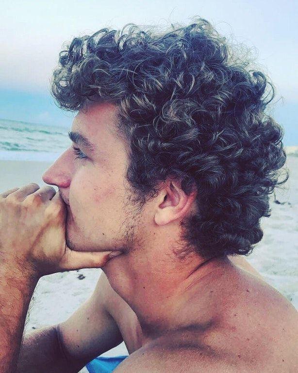 Beach Curls Curlyhair Long Curly Hair Men Curly Hair Men Medium Curly Hair Styles