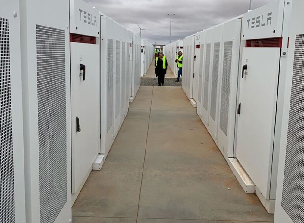 Tesla Big Battery In Australia Is Becoming A Bigger Nightmare For Fossil Fuel Power Generators Big Battery Tesla Power Generator