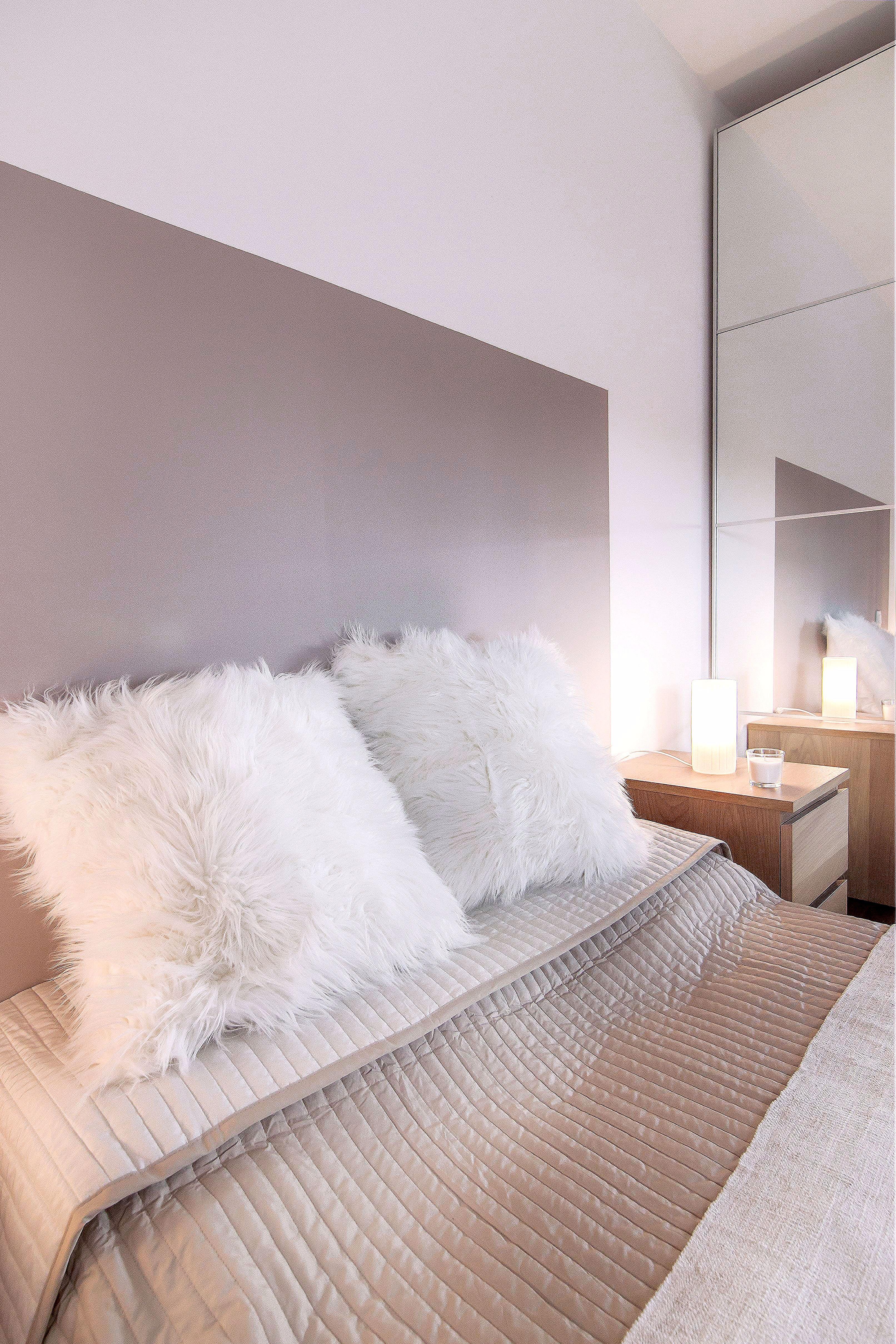 Décoration Chambre Taupe Et Beige meubles de chambre de bébé | white bedroom, cozy bedroom, room