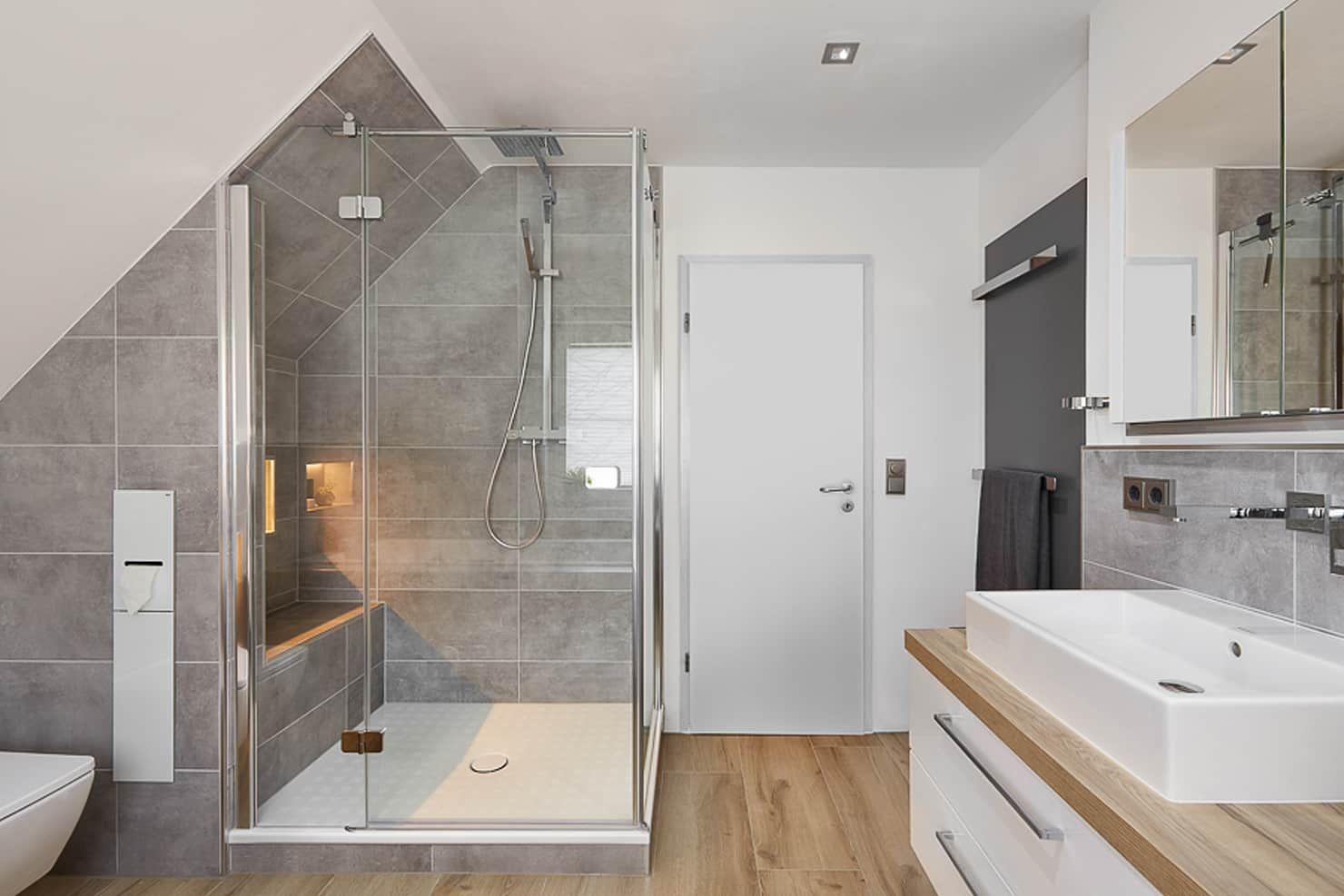 Es Werde Licht Badezimmer Von Banovo Gmbh Modern Badezimmer Modern Modernes Badezimmer