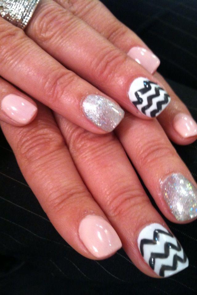 #nailart #handpainted #chevron #blackandwhite #pink