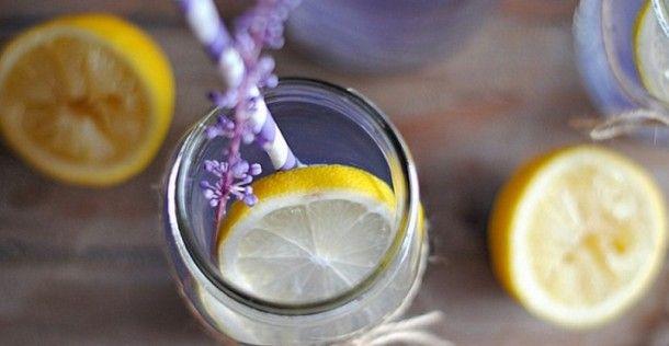 12 Gezonde manieren om je water een smaakje te geven | NSMBL.nl