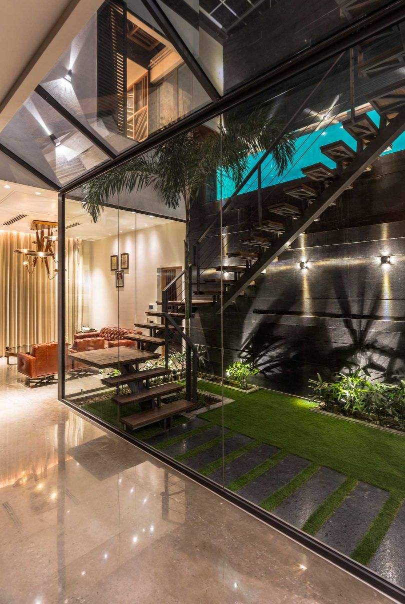 A House In Panchkula With Glass Walls And An Elevated Pool