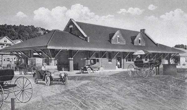 1927 Providence & Worcester Railroad station in Putnam, CT