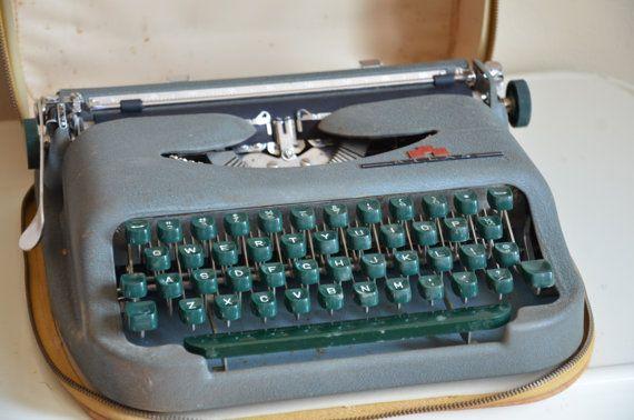 Vintage GLD Atlas Typewriter Mid Century Old School by funretro