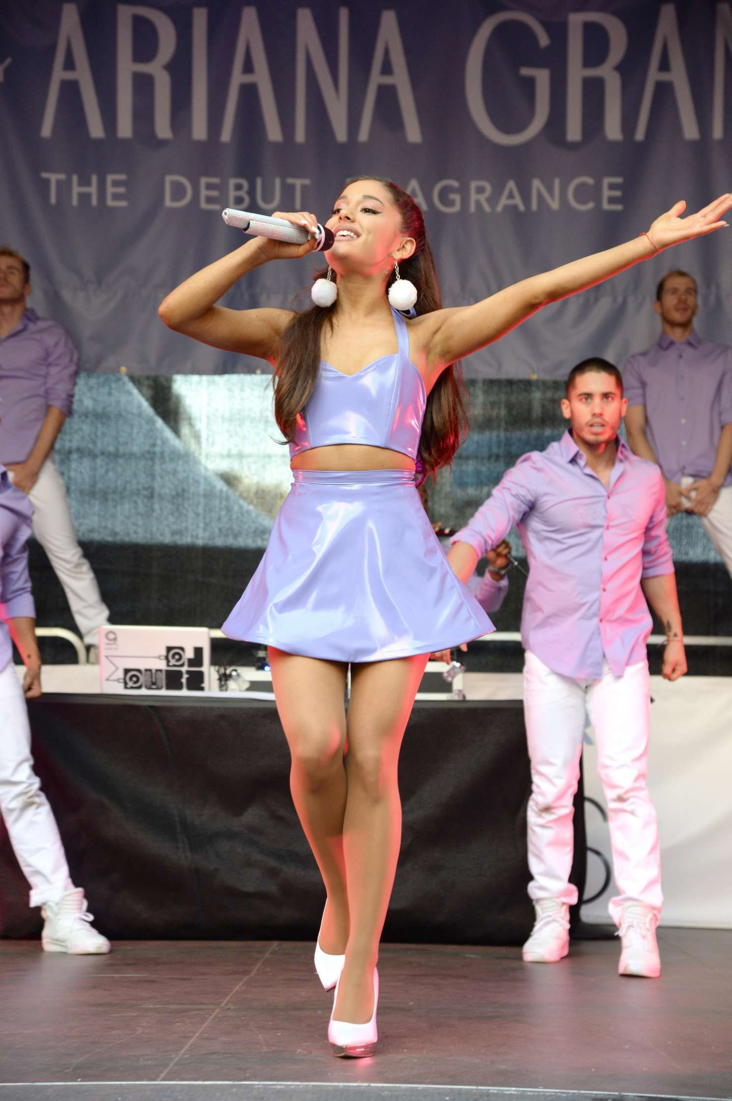 Ariana Grande – Performing at 'Ari' Fragrance Launch and Concert in NYC 17 SEP, 2015