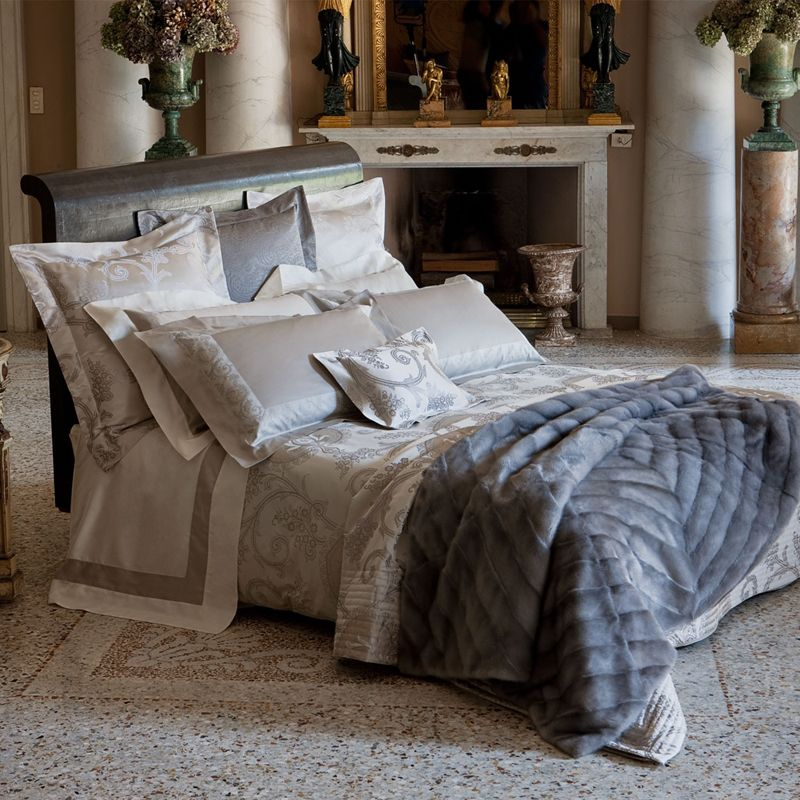 Best Bed Pillow Decorating Ideas Contemporary - Bascula.co ...
