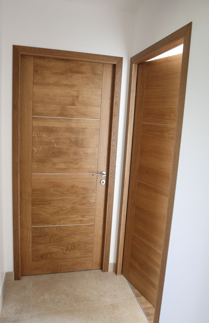 photo pose des portes fin de chantier portes portes. Black Bedroom Furniture Sets. Home Design Ideas