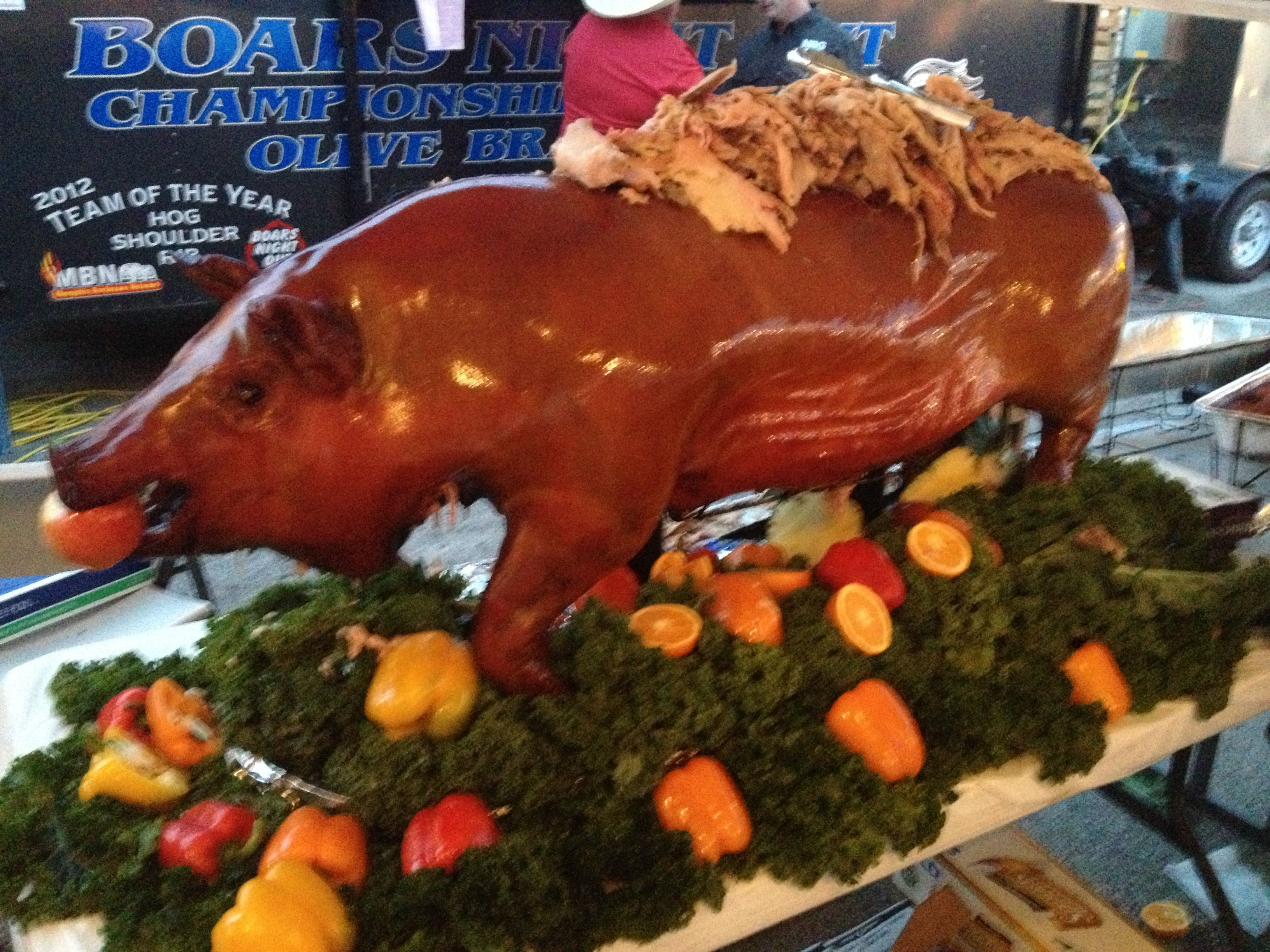 great whole hog presentation bbq pinterest pig roast