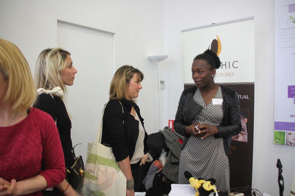 Carole de Karethic en présentation de son projet Ulule sur le beurre de Karithé.