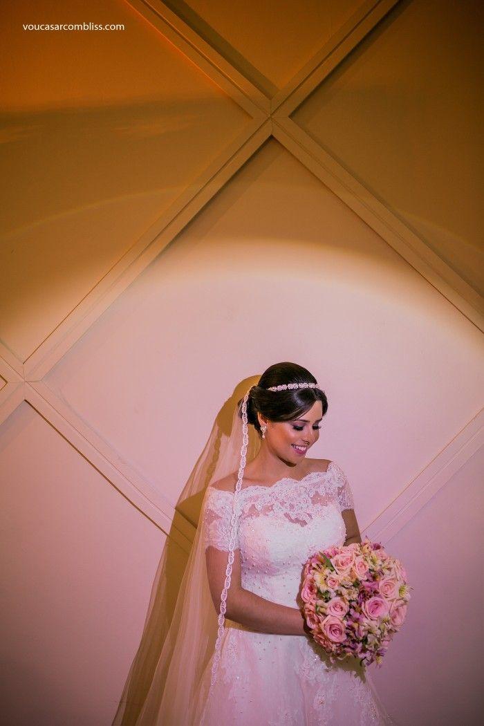 Casamento em Natal. #brideoftheday #noiva Acessem http://noivadeevase.com/casamentos-reais-larissa-e-andre/