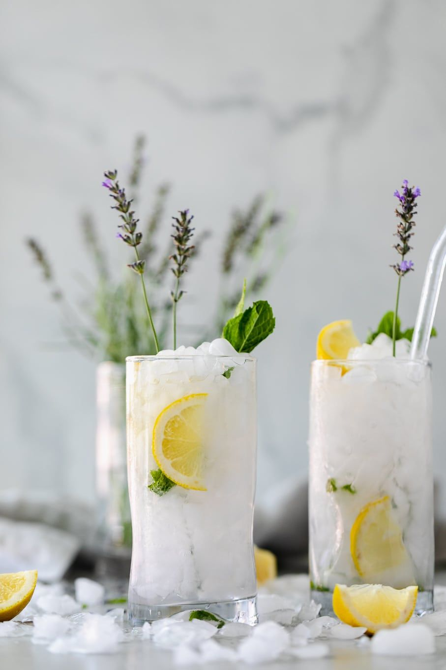 Lavender Mint Vodka Lemonade #lemonadepunch