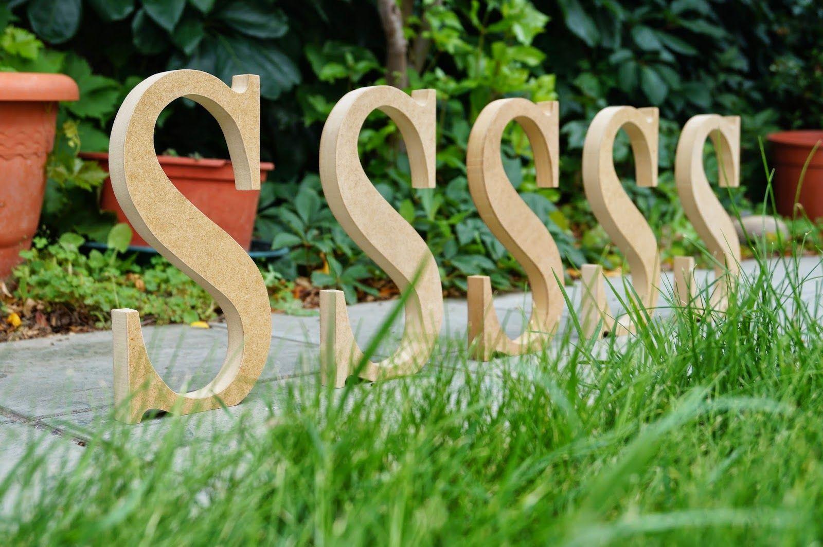 Unas letras de madera decorativas muy especiales. Pide la tuya ya ...