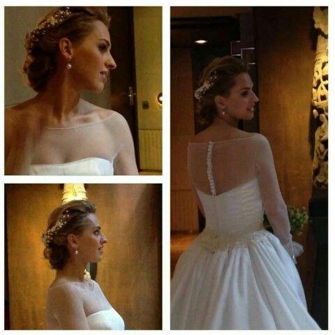 Sara para a formar parte de las novias que han confiado su #maquillaje y #peluquería a Bajobé