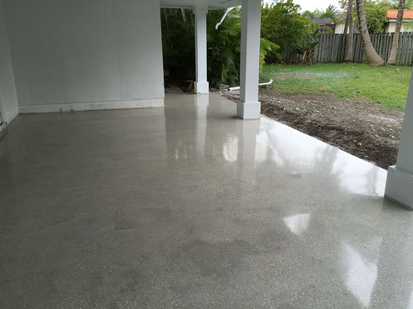 Superbe Polished Concrete Patio