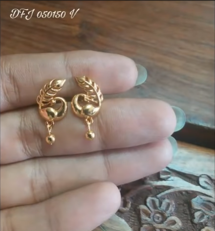 Beautiful Light Weight Daily Wear Gold Earrings Designs Simple Craft Ideas Gold Earrings Designs Gold Jewellery Design Necklaces Gold Jewelry Fashion