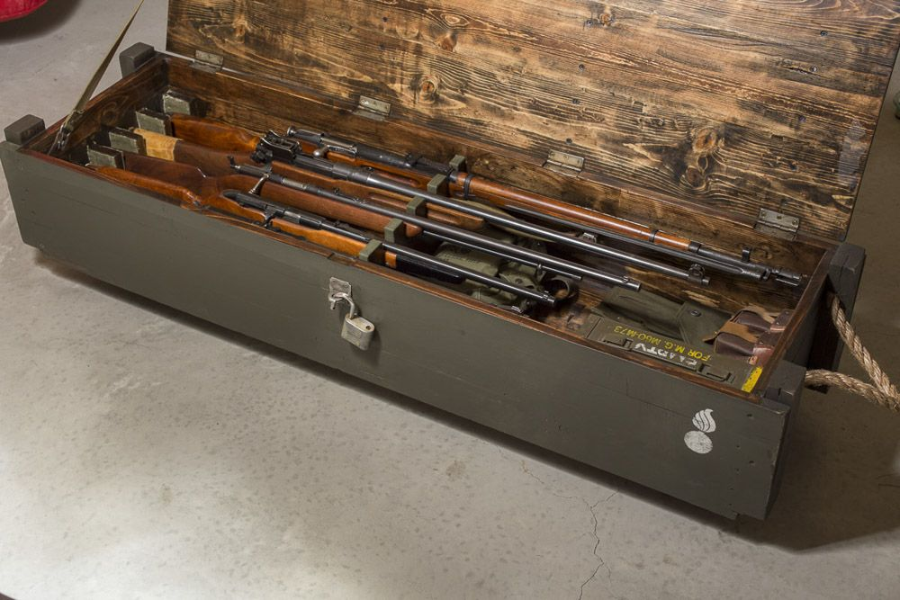 You have to see this great WWII gun chest made from scratch (10 PHOTOS) | Guns Ammo and Tactical Gear Blog #gunsammo