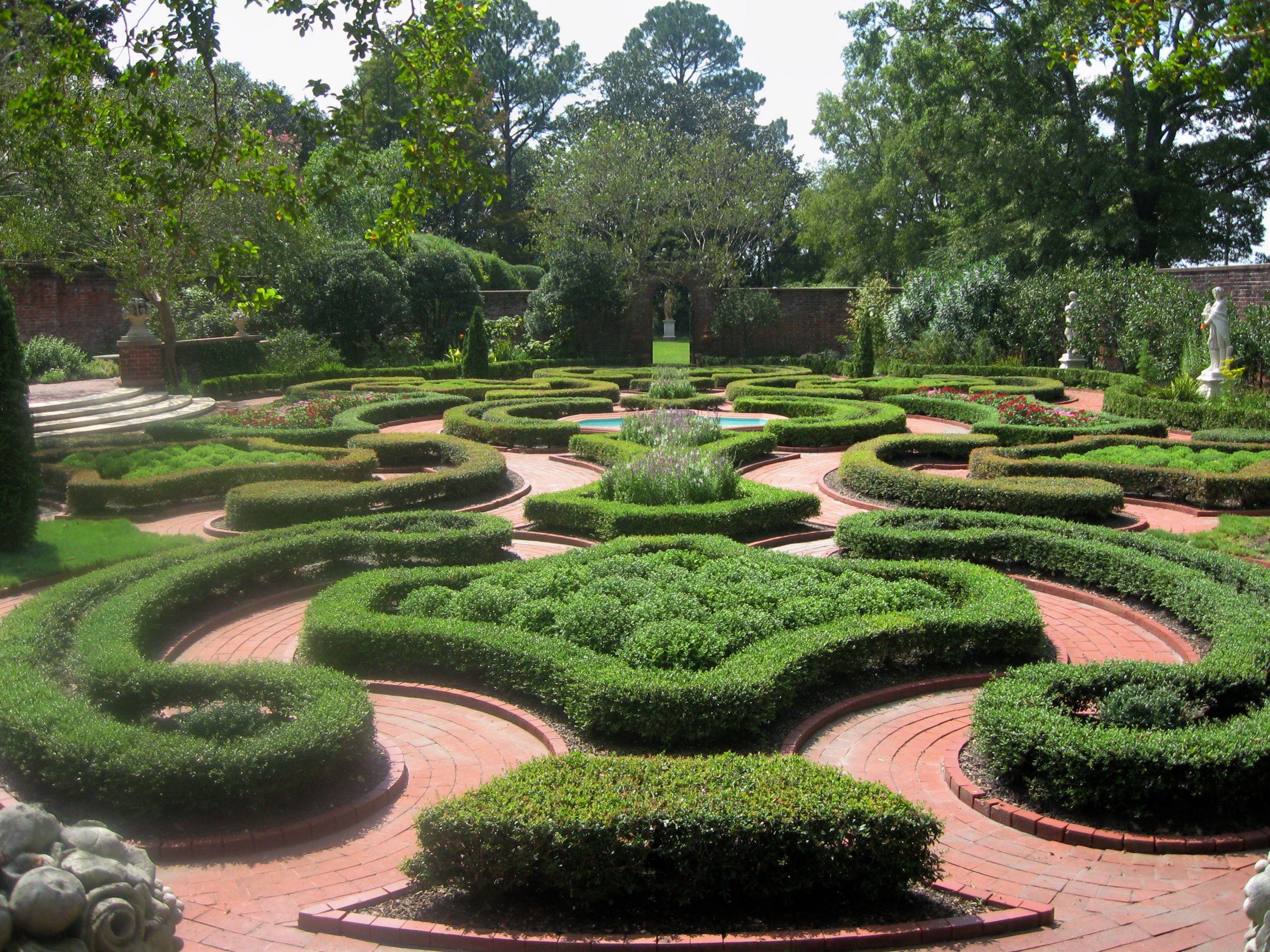 Tryon Palace, New Bern, NC | English garden design, Front ...