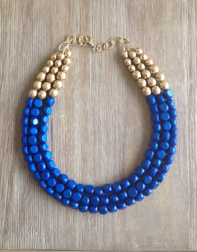 b6693bff1 Collar azul eléctrico y dorado   ideas bijou   Collar azul, Collar ...
