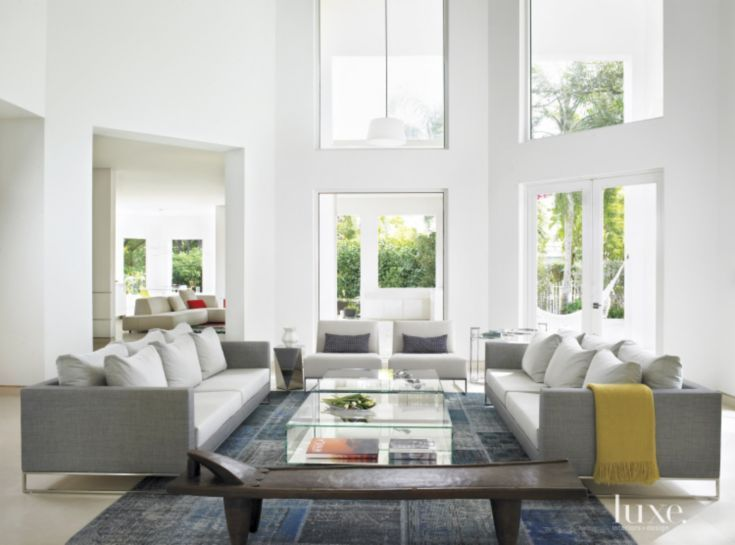 A Miami Home With Vibrant Modern Aesthetic Modern White Living