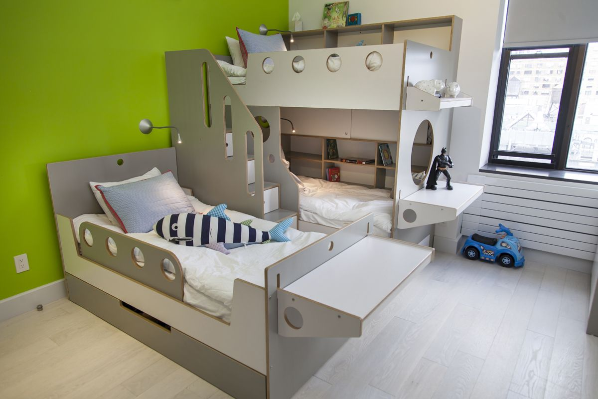 8 cool kids rooms your children won 39 t mind sharing bunk for Furniture for toddlers room