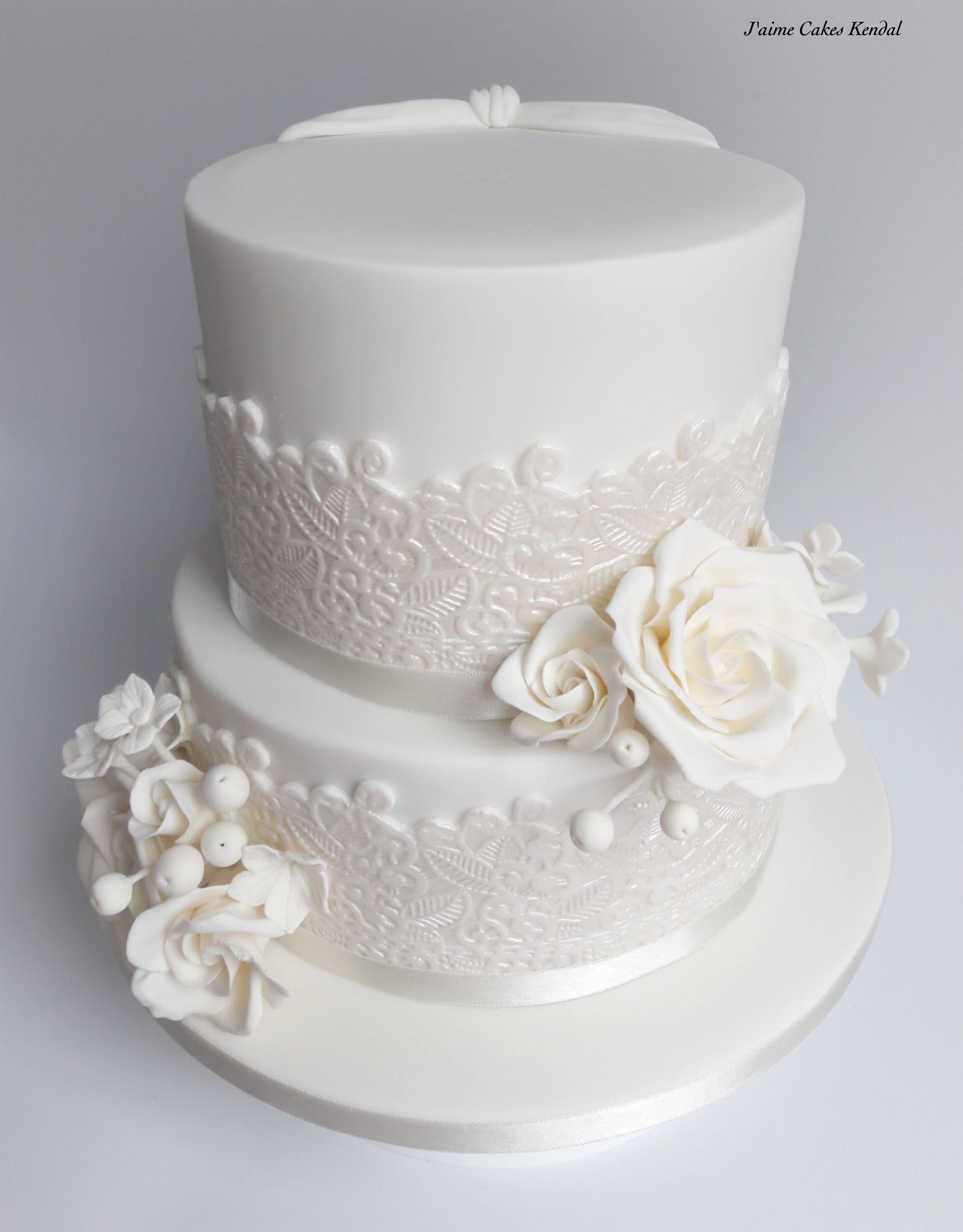 Lace & flowers wedding Cake in 2019 Diamond wedding