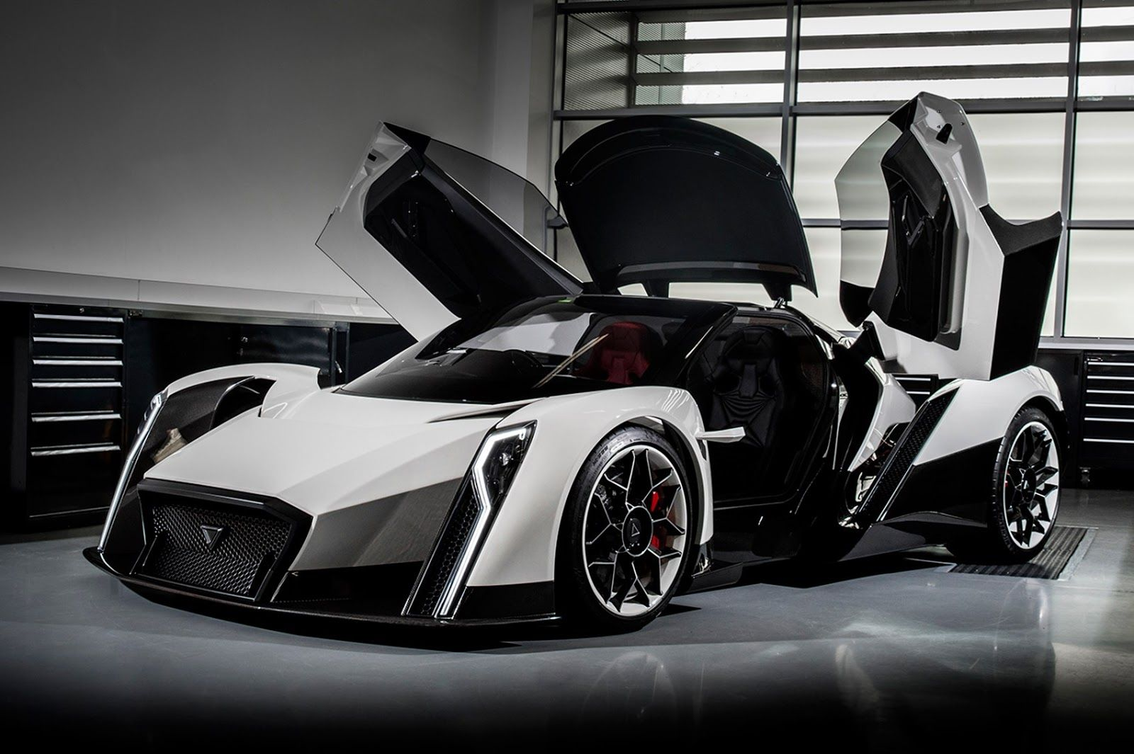 Vanda Electric S Dendrobium Hypercar Is Named After An Orchid Carscoops Super Cars Geneva Motor Show Car Brands