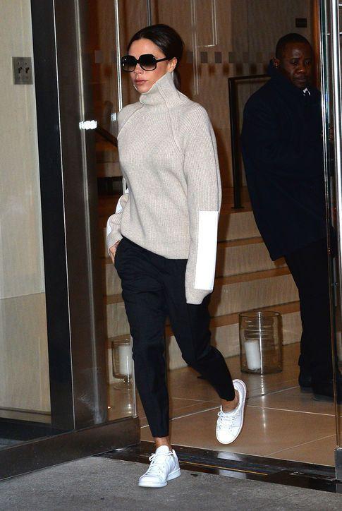 2fccf14d1e47 biele tenisky botasky white sneakers casual fashion móda štýl style street  outfit oblečenie clothes dámska móda womenswear eshop trends trendy rifle  jeans ...
