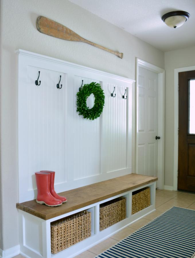 Entryway Mudroom Tutorial | Entrada, Hall de entrada y Muebles de madera