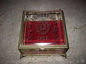 Obsequio o envoltura de obsequio ofrecido por Chile a León XIII.