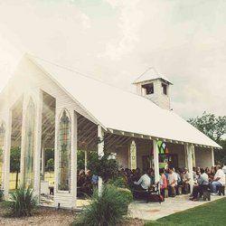 Gallery Gruene Estate Open Air Chapel Gruene Estate Barn Wedding Venue