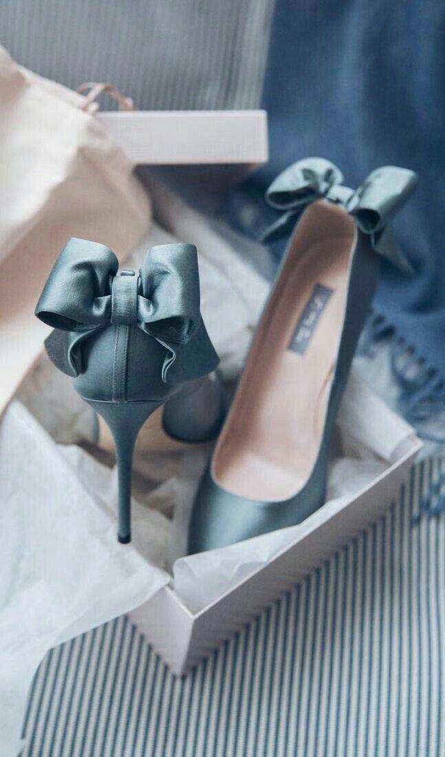 Pin de Geny Fernandes em sapatos & sandalias | Sapatos de