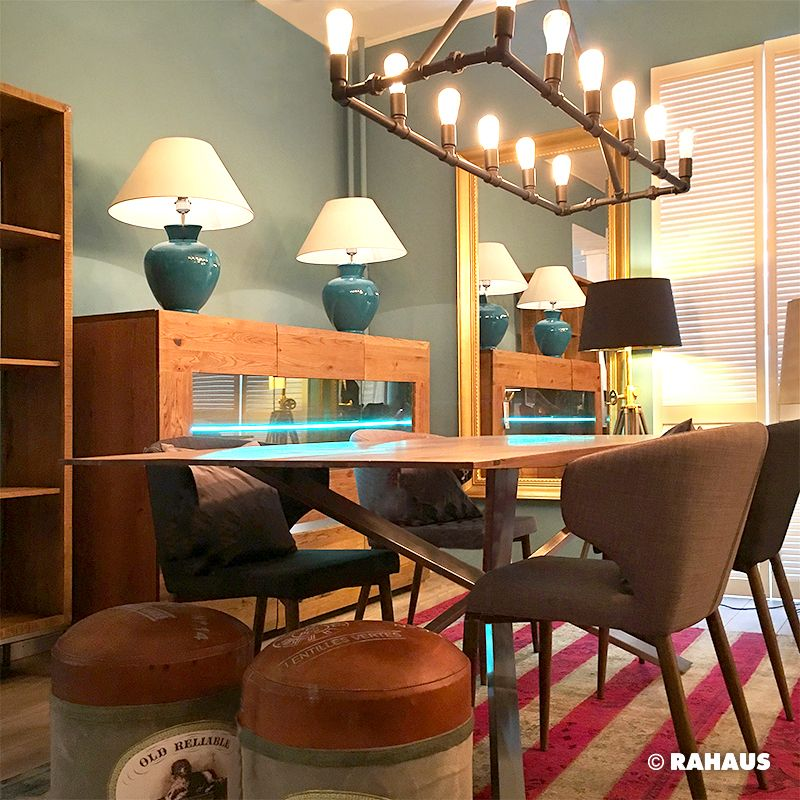 DINNERTIME #table #Tisch #Stil #Berlin #RAHAUS #Teppich #Couchtisch #Leuchte #light #Kissen #Patchwork #Wood #glas #Interior #design #Möbel #furniture #livingroom #Wohnzimmer #Stuhl #Regal #Chair #Hochkommode #Stehleuchte #Hocker www.rahaus.de