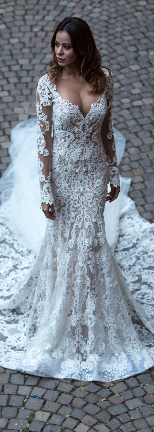 Berta Bridal Samples Are Available For Off The Rack Purchasing At Our Nyc Showroom To Book An Appointment Please Email Wedding Dresses Bridal Berta Bridal