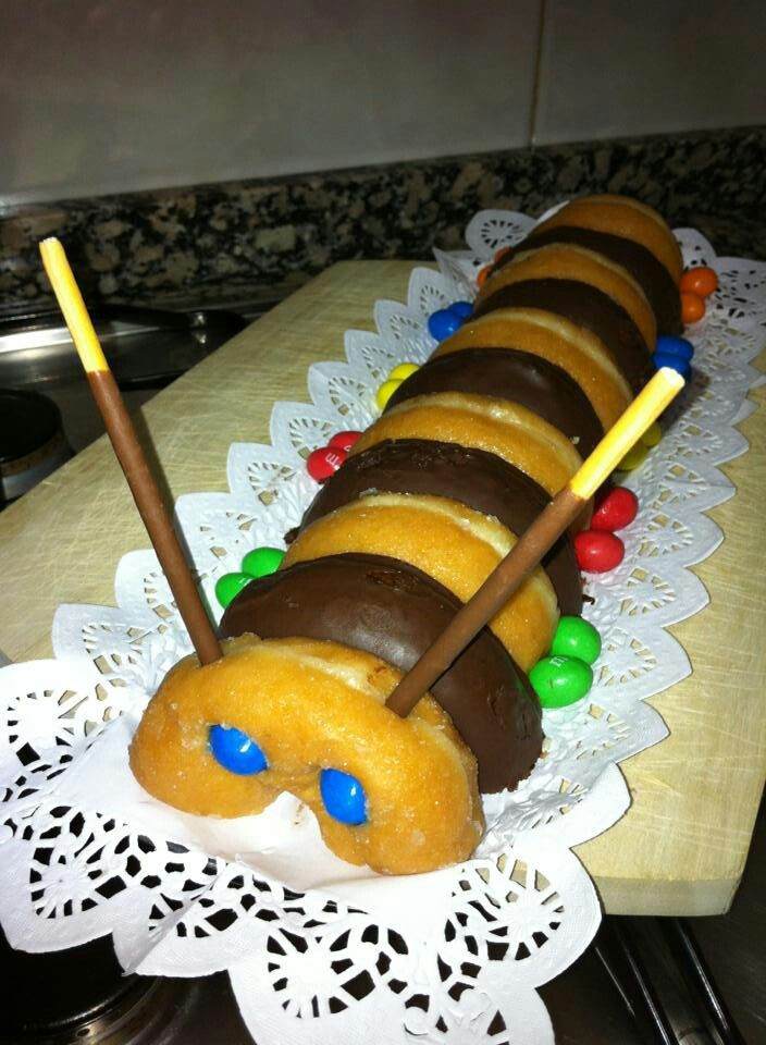 f r den kindergeburtstag donuts raupe essen backen. Black Bedroom Furniture Sets. Home Design Ideas